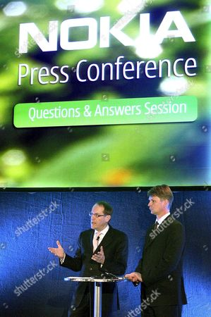 Nokia Chief Executive Officer Jorma Ollila (l) and Deputy Chairman Kai Oistamo (r) During the Press Conference at the 3gsm World Congress on Monday 13 February in Barcelona Spain Spain Barcelona