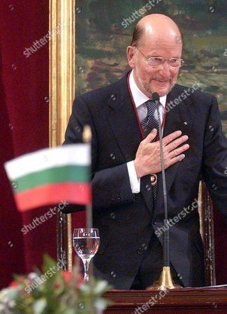 Bulgarian Prime Minister Simeon Saxony-coburg Expresses His Gratitude After Receiving From Madrid's Mayor Alberto Ruiz-gallardon the Title of Honorary Son of the City at Madrid's Town Hall Thursday 30 September 2004 Ousted From Bulgaria in 1946 After Soviet Troops Invaded the Country and Abolished the Monarchy Simeon Ii Fled the Country where He Returned in 2001 As Prime Minister After His Newly Formed 'National Alliance Simeon Ii' Party Won the National Elections with 120 Seats in Parliament out of a Total 240 Seats Simeon Saxony-coburg Lived in Spain From 1952 to 2001 and Married a Spaniard Margarita Gomez-acebo Spain Madrid