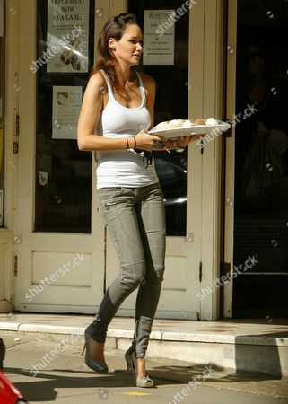 Nicole Henry pops to her local shops for 3 trays of cakes