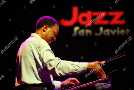 Us Ramsey Lewis and His Group Perform on Stage Late Friday 14 July 2006 at Ix International Jazz Festival of San Javier Murcia Spain Spain San Javier