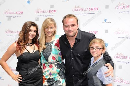 David DeLuise, Wife Faye and Daughters