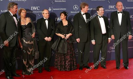 Spain's King Juan Carlos (r) Poses with Barcelona's Mayor Jordi Hereu (2-r) and Catalonia's Regional President Jose Montilla (3-l) As They Arrive at Palau Sant Jordi in Barcelona Northeastern Spain to Attend the 8th Edition of Laureus World Sports Awards on Monday 02 April 2007 Spain Barcelona