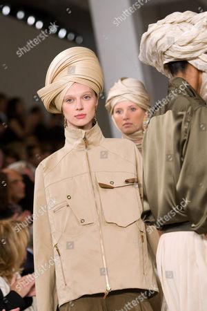 Olga Sherer and Models on Runway