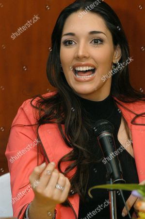 Miss Universe 2004 Amelia Vega During a Press Confrence Thursday 13 May 2004 Amelia Vega Will Give the Crown to the New Miss Universe on 01 June 2004 in Quito Ecuador Most Candidates Have Already Arrived in the City where 81 Candidates Will Participate in the Miss Universe 2004 Beauty Pageant Ecuador Quito