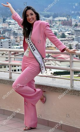 Miss Universe 2003 Amelia Vega Poses For the Media in Quito Ecuador Friday 21 May 2004 Amelia Vega Will Hand in Her Crown to Miss Universe 2004 Next 01 June in Quito Ecuador Quito