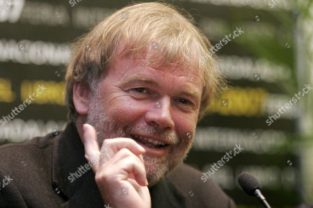 Norwegian Writer Jostein Gaarder Talks in a Press Conference During the 21st Guadalajara's International Book Fair (fil) Held in Guadalajara Mexico 28 November 2007 the Fair That Ends 02 December Has the Participation of More Than 350 Writers and 1 650 Publishers As Well Colombia As the Guest of Honour to the Fair Mexico Guadalajara