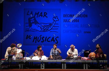British Guitarist John Mclaughlin (2nd From R) Ex Leader of Mahavishnu Orchestra Accompanied by Virtuous Indians Zakir Hussain and U Shrinivas Performs During the X Edition of La Mar De Musicas Festival in Cartagena (south-east of Spain) Late Wednesday 07 July 2004 Spain Cartagena