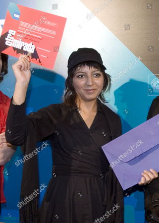 Iranian Director Hana Makhmalbaf Poses in San Sebastian Spain 28 September 2007 After Receiving 'La Otra Mirada' (a Different View) Award Given by Spanish Public Tv Channel Televisi?n Espa±ola to Films Related to Women's Issues For Her Film 'Buda Az Sharm Foru Rikht' the Film was Presented at the 55th International San Sebastian Film Festival Spain San Sebastian