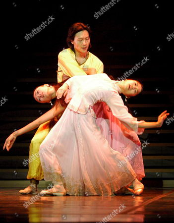 Hong Kong Ballet First Dancer Liang Jing (c) and Dancers Faye Leung (l) and Jin Yao (r) Perform During the First Act of 'The Last Emperor' During a Press Rehearsal at the Albeniz Thater in Madrid Wednesday 31 August 2005 where They Will Perfom From 1 to 4 September 2005 Spain Madrid