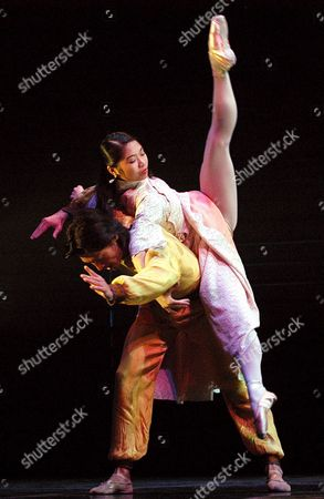 Hong Kong Ballet First Dancer Liang Jing (l) and Dancerjin Yao (r) Perform During the First Act of 'The Last Emperor' During a Press Rehearsal at the Albeniz Thater in Madrid Wednesday 31 August 2005 where They Will Perfom From 1 to 4 September 2005 Spain Madrid