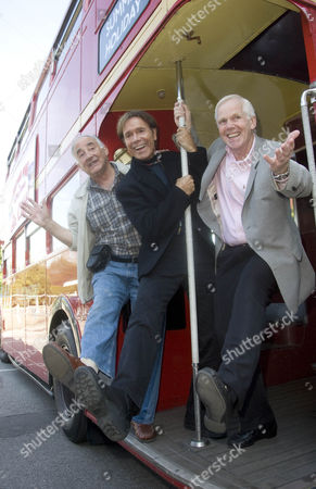 'Summer Holiday' co-stars Teddy Green (L) and Jeremy Bulloch (R) with Cliff Richard