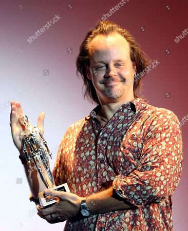 Us Film Maker Larry Fessenden Poses with the 'Time Machine' Award Which He Received at the Sitges International Film Festival where He Presented His Lates Movie 'The Last Winter' in Sitges Spain 05 October 2007 the 40th Edition of the Festival Lasts Until 14 October Spain Sitges