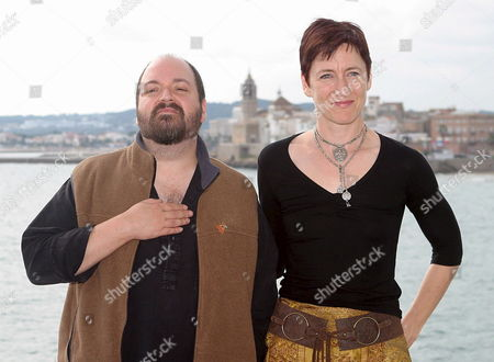British Film Director Dave Mckean (l) Poses For Photographers with Producer Lisa Henson During the Presentation of Their Film 'Mirrormask' at Sitges International Film Festival in Sitges Cataluna Northeastern Spain on Monday 10 October 2005 Spain Sitges