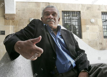 Nobel Prize in Literature 1992 Derek Walcott Talks with Journalists on the Occasion of His Participation in the 3rd Edition of 'Cosmopoetica Poets of the World in Cordoba' Workshop Held in Cordoba Andalusia Region Southern Spain Tuesday 18 April 2006 Spain Cordoba