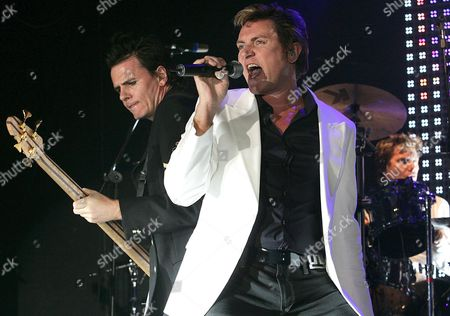 Duran Duran's Singer Simon Lebon (r) Performs During the Band's Concert at Riviera Hall in Madrid Spain on Sunday 22 May 2005 where the 80's British Group Presented Their New Album 'Mediocre Austronaut' As Part of Their Spanish Tour Which Started in Barcelona Last Friday Spain Madrid