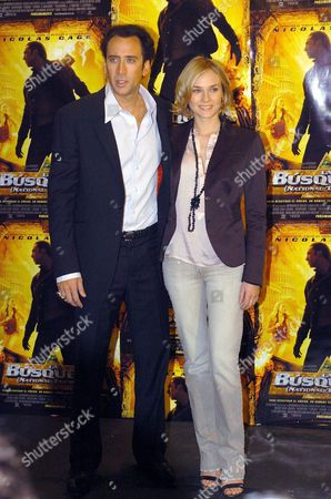 Stock Image of Us Actor Nicholas Cage and Actress Diana Kruger Posing For Photographers During the Presentation of Their Latest Film 'The Search' on Tuesday 30 November 2004 in Madrid Spain Madrid