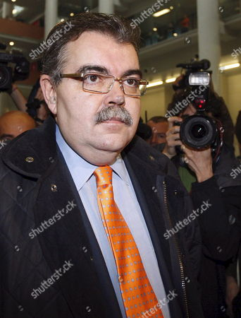 Spanish Soccer Club Valencia President Juan Soler is Surrounded by Photographers at the Social Court Number 13 at the Beginning of the First Hearing of the Demand Submited by Midfielder David Albelda Against the Team in Valencia Eastern Spain 22 February 2008 David Albelda Sued Valencia For Cancelling His Contract in December Along with Goalkeeper Canizares' and Miguel Angel Angulo's Contracts the Players Were Sacked From the Team by Their Coach Dutch Ronald Koeman Spain Valencia
