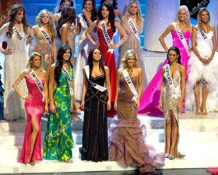 (l-r) the Representative From Switzerland Lauriane Gillieron Paraguay Lourdes Arevales; Japan Kurara Chibana; Usa Tara Conner; and Puerto Rico Zuleyka Rivera; After Beeing Selected As the Five Finalists of the Miss Univers 2006 Contest Late Sunday 23 July 2006 in Los Angeles California United States Los Angeles
