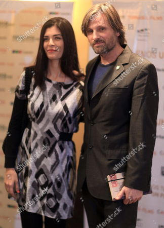 U S Actor Viggo Mortensen (r) and Argentinian Actress Soledad Villamil (l) Pose During a Press Conference to Announce the Beginning of the Shooting of Film 'Todos Tenemos Un Plan' (we All Have a Plan) at a Hotel of Buenos Aires Argentina 20 May 2011 Argentina Buenos Aires