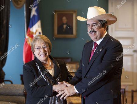 Editorial photo of Chile Honduras Zelaya - Aug 2009