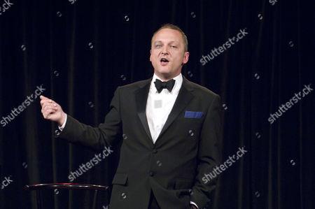 David Benson sings Noel Coward