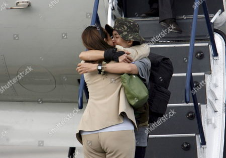 Colombian-french Former Presidencial Candidate Ingrid Betancourt Gets Off of Plane and Greets Her Mother Yolanda Pulecio After Her Arrival to the Militar Airport of Catam in Bogota Colombia on 02 July 2008 After Being Rescued by the Colombian Army in the Jungle of the Eastern Department of Guaviare After a Long Hostage by the Farc Guerrilla with Betancourt Also was Rescued the Three Us Citizens and Other 11 Colombian Military Troops Colombia Tolemaida