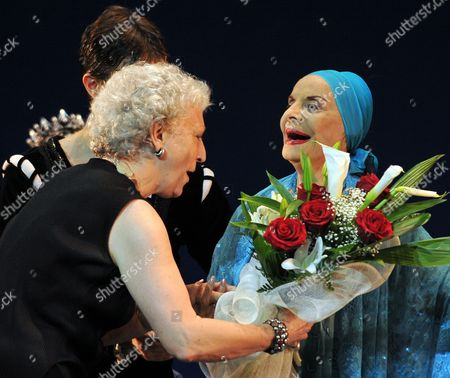 Director of the London Royal Ballet Monica Mason (l) Greets the Director of the National Ballet of Cuba Alicia Alonso (r) During a Tribute Show in the Latter's Honor Performed by the London Royal Ballet in Havana Cuba 15 July 2009 Cuba Havana