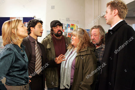 'Emmerdale' - DCI Grace Barraclough (Glynis Barber), DS Vikesh Desari (Stephen Rahman-Hughes), Zak Dingle (Steve Haliwell), Lisa Dingle (Jane Cox) and Shadrach Dingle (Andy Devine) and Carl King (Tom Lister)