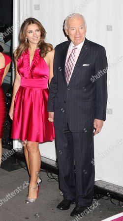 Marisa Acocella Marchetto, Elizabeth Hurley and Leonard Lauder