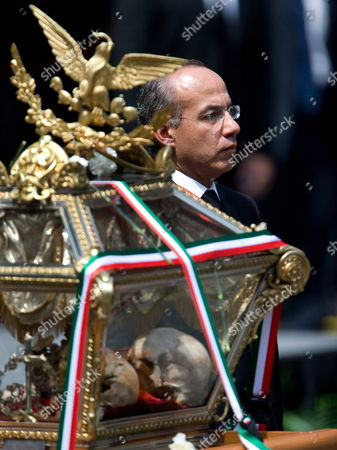 A Photo Made Available on 17 August 2010 Shows Mexican President Felipe Calderon Next to the Remains of Pedro Moreno and Victor Rosales Two Heroes of Mexican Independence who Died in Battles Againts Realist Army in 1817 After They Were Moved During a Ceremony at National Palace in Mexico City Mexico on 15 August 2010 Mexican Scientists Discovered After Dna Test That Two Additional Remains Were Placed Along Side Other Historical Figures 85 Years Ago Without Their Names Being Inscribed on the Metal Plaque Placed on the Door of the Mausoleum Mexico Mexico City