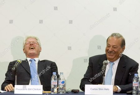 Mexican Mogul Carlos Slim (r) Laughs Along with Former Us President Bill Clinton (l) During a Press Conference in Mexico City Mexico 04 August 2008 where Both Announced Along with Canadian Frank Giustra a Donation of 45 Million Dollars For Education Health and Enterprises in Colombia Mexico and Peru Mexico Mexico City