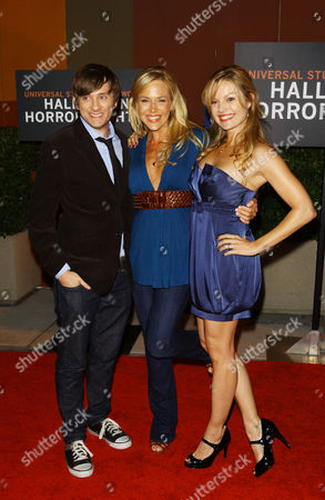 Tom Lenk, Julie Benz & Clare Kramer