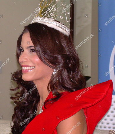 Viviana Ortiz Miss Puerto Rico and Candidate For Miss Universe 2011 Smiles During Her First Press Conference After Being Crowned on 04 November As Miss Universe Puerto Rico 2011 in San Juan Puerto Rico on 05 November 2010 Puerto Rico San Juan