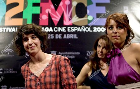 Spanish Film Director Mar Coll (l) Poses For the Media with the Cast Members Nausicaa Bonnin (r) and Philippine Leroy-beaulieu During the Presentation of the Film 'Tres Dias Con La Familia' (three Days with the Family) Which Competes in the Official Section of the 12th Spanish Film Festival of Malaga in Cervantes Theatre Malaga Sothern Spain 23 April 2009 Spain Malaga