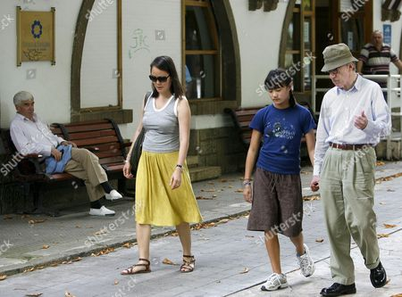 Us Film Maker Woody Allen (r) His Wife Soon-yi (l) and Daughter Manzie Tio (c) Take a Walk in San Francisco Park in Oviedo Asturias Northern Spain 23 August 2010 Allen Will Attend the Spanish Premiere of His Movie 'You Will Meet a Tall Dark Stranger' Later Today Spain Oviedo