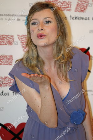Italian Actress Giorgia Wurth Poses For Photographers As She Attends the Premiere of Her New Movie 'Ex' in Madrid Spain 21 July 2009 the Film Directed by Fausto Brizzi is a Real Success in Italy Raising Around 12 Million Euros So Far Spain Madrid