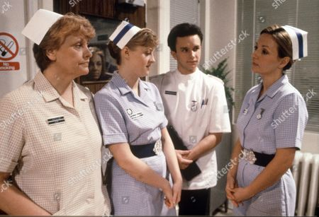 Stock Image of 'Childrens Ward'   - Rita May, Janette Beverley, Tim Stanley and Judy Holt.