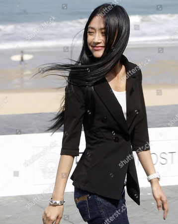 Chinese Actress Qin Lan Poses For Photographers During the Presentation of Her Film 'City of Life and Death' at the San Sebastian International Film Festival in San Sebastian Northern Spain 21 September 2009 Spain San Sebastian