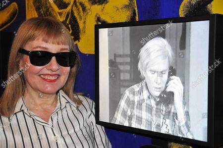 Bibbe Hansen in the TV-Scape room.