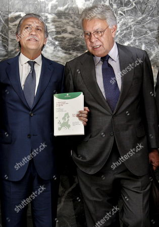Spain's Former Prime Minister and Chairman of a Think Tank on the Future of Europe Felipe Gonzalez (r) and Secretary of State For the European Union in the Spanish Ministry of Foreign Affairs and Cooperation Diego Lopez Garrido (l) Pose During the Presentation of the Book Entitled 'La Union Europea Ante Los Grandes Retos Del Siglo Xxi' (the European Union and the Major Challenges of the 21st Century) at the Circulo De Bellas Artes in Madrid Spain 24 June 2010 Spain Madrid