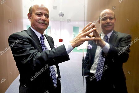 Us Economist Jeremy Rifkin Founder and President of the Foundation on Economic Trends Poses Prior to a Press Conference at the Water Tribune at the 'Expo Zaragoza 2008 Water and Sustainable Development' in Zaragoza Spain 01 September 2008 Rifkin Spoke on Climatic Change at the Press Conference Saying That 'The Scientific Community Has Underestimated Its Threat and Dramatic Consequences' Spain Zaragoza