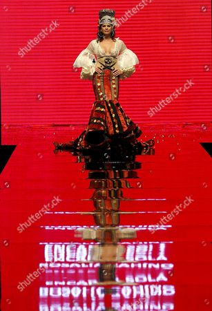 Spanish Model Maria Jose Suarez Takes to the Catwalk Wearing a Design by Spanish Designers Rosalia Zaino and Encarna Sola During the Last Day of the 17th Flamenco Fashion Show Simof-2011 at the Palace of Congress in Seville Southern Spain on 06 February 2011 Spain Sevilla