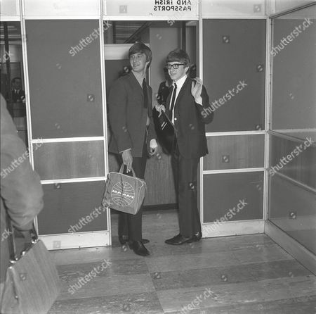 PETER ASHER AND GORDON WALLER LEAVE FOR A THREE WEEK TOUR OF THE UNITED STATES. 15 JUN 1964