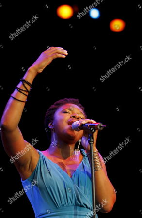 Us Jazz Singer Lizz Wright Performs As Part of a Tribute to Us Singer Nina Simone at Veranos De La Villa Festival in Madrid Spain 15 July 2009 Spain Madrid