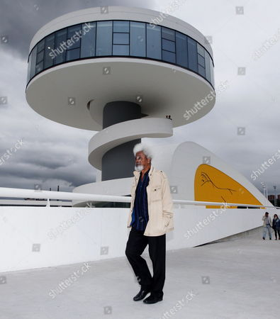 Nigerian-born Writer and Nobel Prize in Literature Laureate Wole Soyinka Walks at the Niemeyer Cultural Centre in Aviles Spain 05 August 2011 Soyinka is in Aviles For the Opening of an Exhibition on Nigerian Masks Puppets and Books Spain Aviles