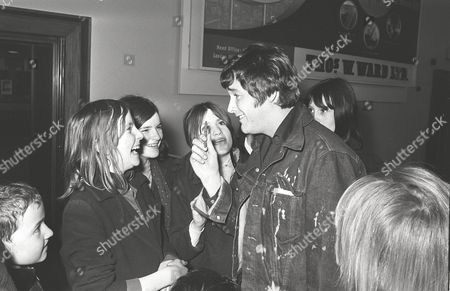 PJ PROBY AND FANS AT LONDON AIRPORT. 14 FEB 1967