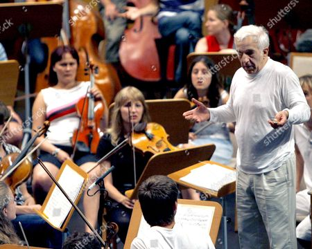 Russian Conductor Vladimir Ashkenazy is Pictured During a Rehearsal of the Freixenet Symphony Orchestra Which Will Inaugurate 02 July 2008 Santander's Viii Academy and Music Meeting in Santander Spain 01 July 2008 Spain Santander