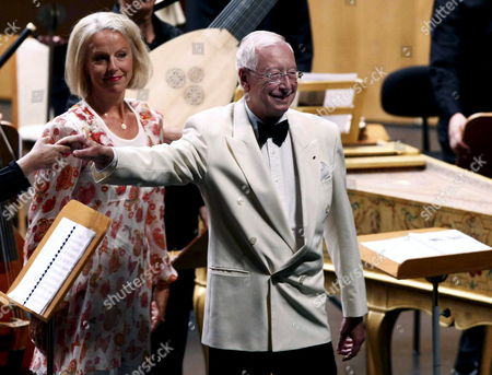 Swedish Soprano Anne Sofie Von Otter (l) and Us Les Arts Florrisants's Orchestra Conductor William Christie (r) Greet to the Audience at the Begining of Their Concert in the Santander's International Music Festival in Santander Spain 17 August 2008 Spain Santander