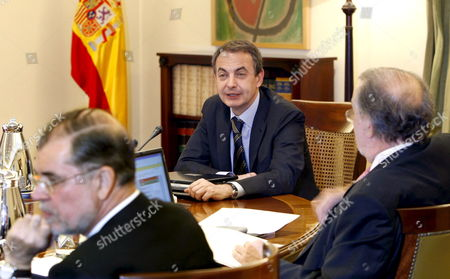 Spanish Prime Minister Jose Luis Rodriguez Zapatero (c) Talks with Pedro Solbes (r) Second Vice-president and Finance Minister and Mariano Fernandez Bermejo Justice Minister During the First Meeting of New Cabinet Ministers in Moncloa Palace Madrid Central Spain 14 April 2008 Spain Madrid