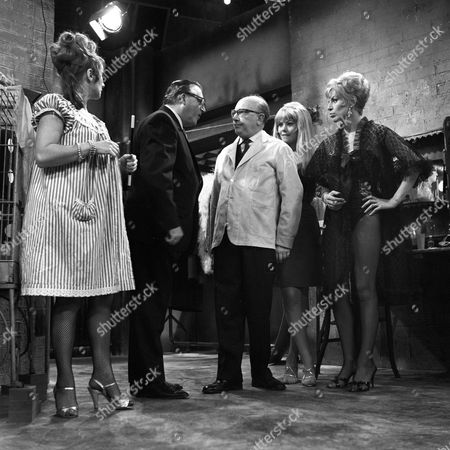 'Turn Out the Lights' - 'A Big Hand for a Little Lady' - Robert Dorning, Arthur Lowe, Wendy Richard and Yootha Joyce